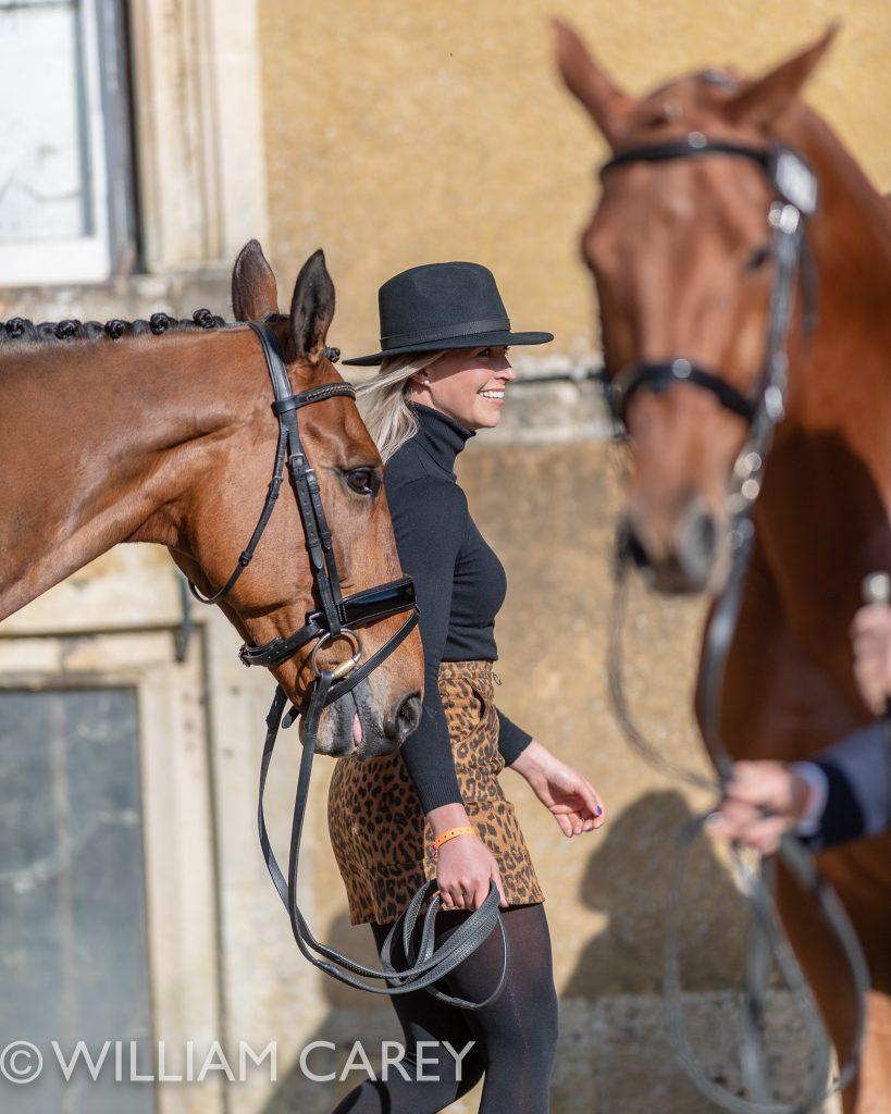 Georgie Strang em cavalos jovens para eventos | Recursos 1