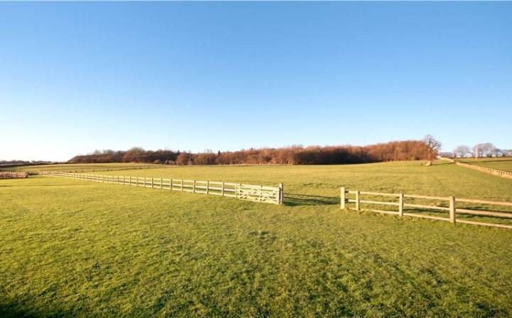Chenies - fencing