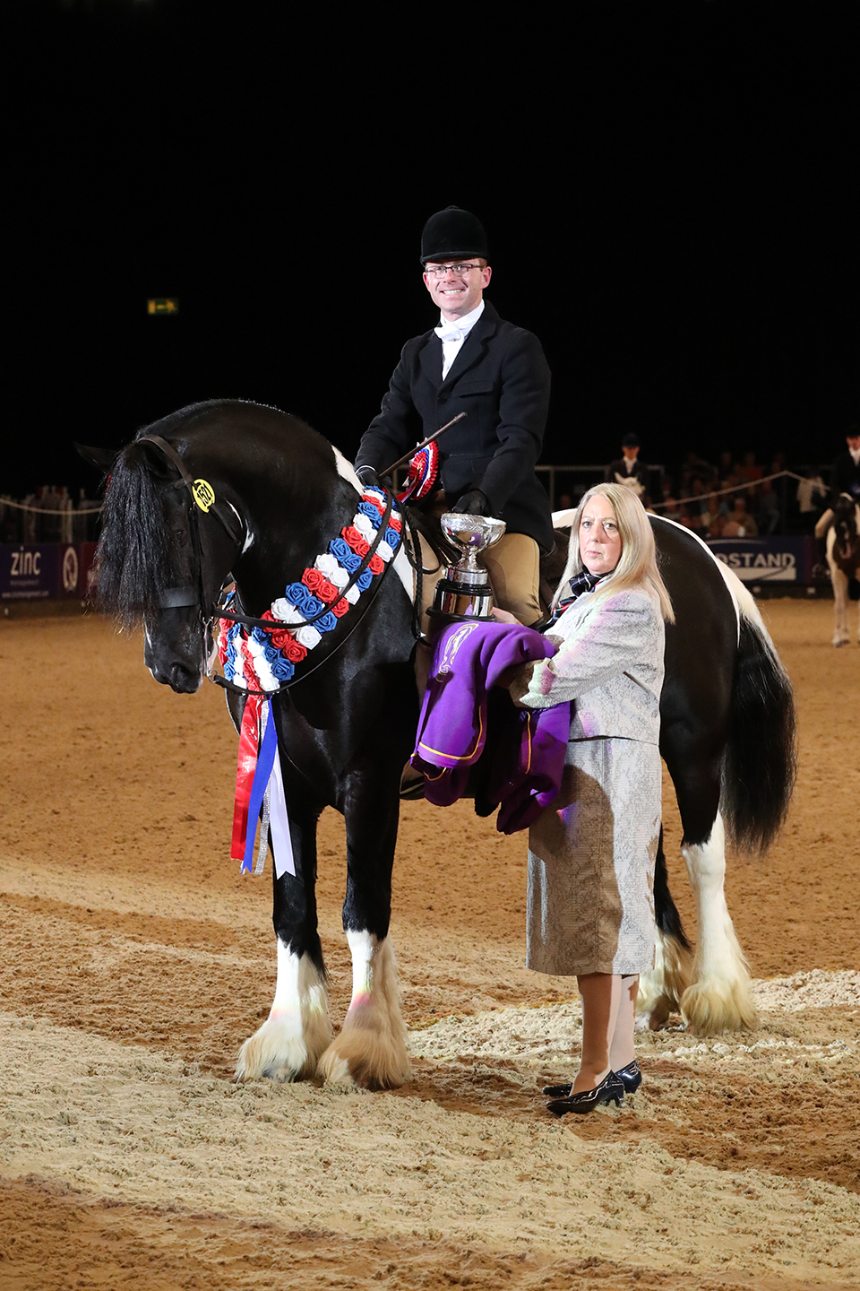 Trade Stands Hoys 2015 : News the daily bale the gaitpost