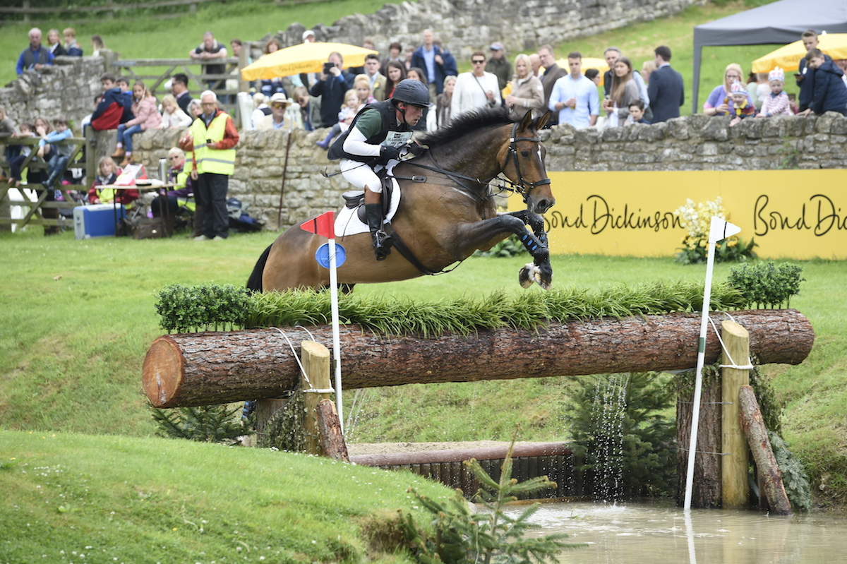 Simon Grieve   riding Traveller Royale in the CCI ***