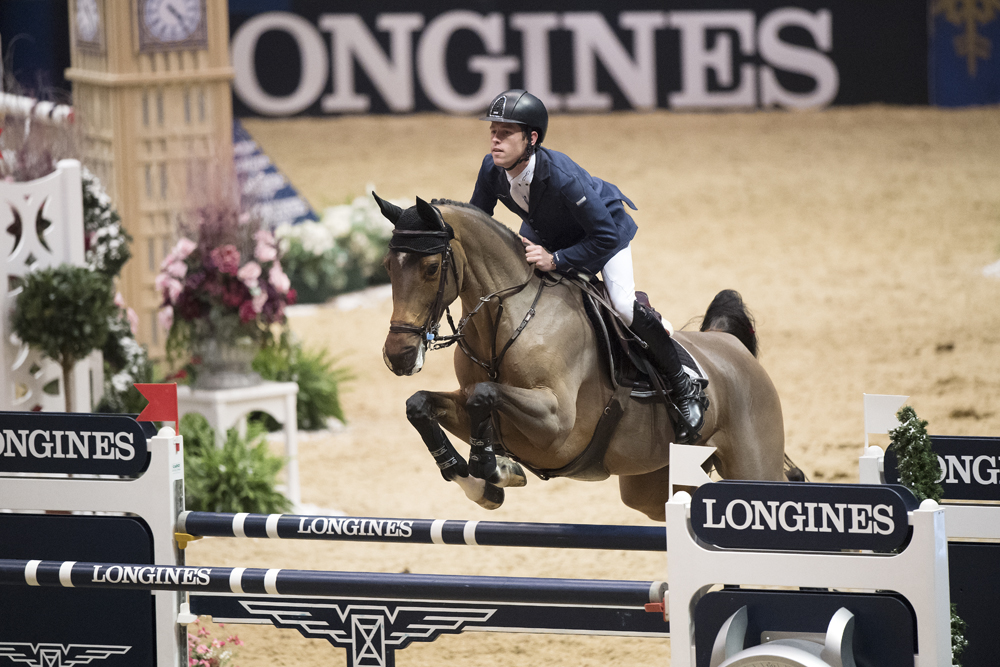 Scott Brash and Hello M'Lady topped the eighth leg of the Longines FEI World Cup™ Jumping 2016/2017 Western European League at Olympia, London (GBR) this evening. © FEI/Richard Juilliart